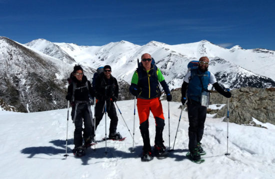 Ruta de raquetes de neu en grup als Pirineus